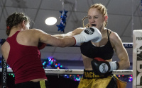 Spurred on by underdog tag Rachel Ball says Shannon Courtenay won't cope with her pressure bookies odds